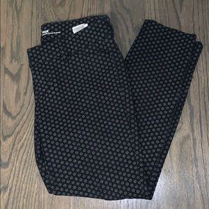 Old Navy 4P Pixie Mid-Rise Black Patterned Pants